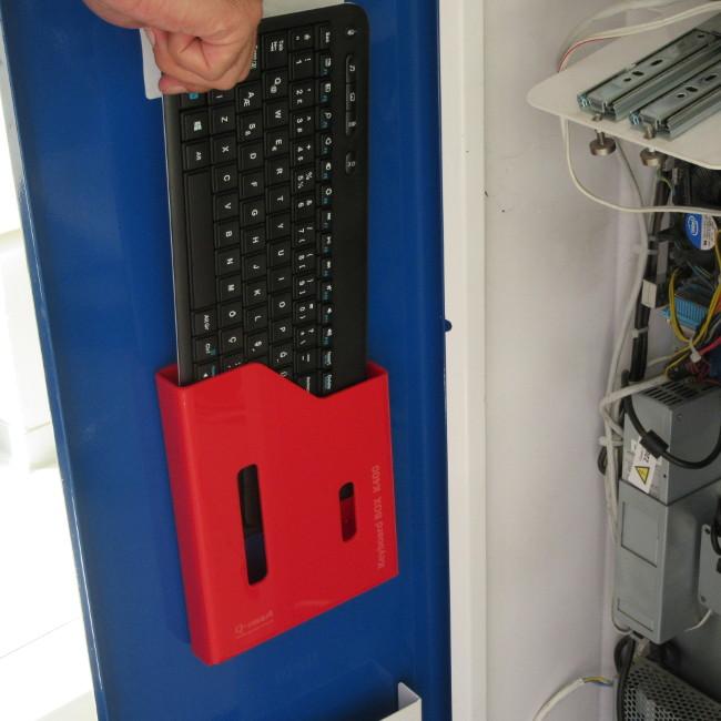 k400 klavye rafı kırmızı